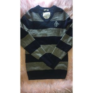 Abercrombie & Fitch Navy and Gray Sweater